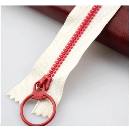 Fermeture non séparable 30 cm  écru rouge