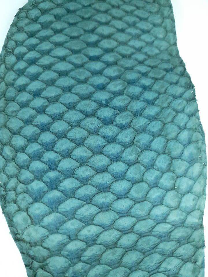Cuir de poisson petite peau saumon bleu vert